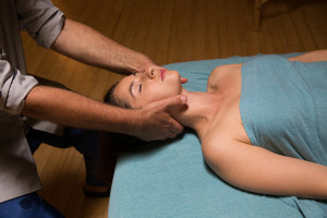 CERVICAL PULL Massage